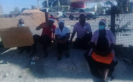 Tsandi Shoprite workers on strike