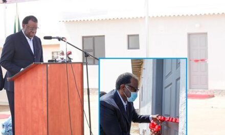 President hands over houses to Twaloloka shack fire victims